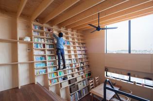 Bookshelf House / Shinsuke Fujii Architects