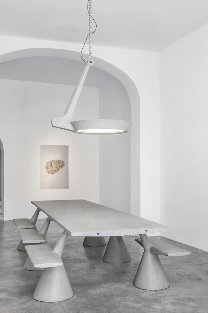 konstantin-grcic-gallery-installation-view__foto-omargolli-5web-682x1024.jpg