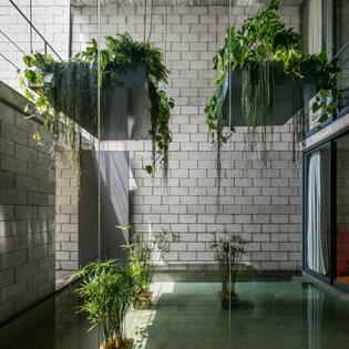 Mipibu House / Terra e Tuma Arquitetos Associados (São Paulo, Brazil, 2015)