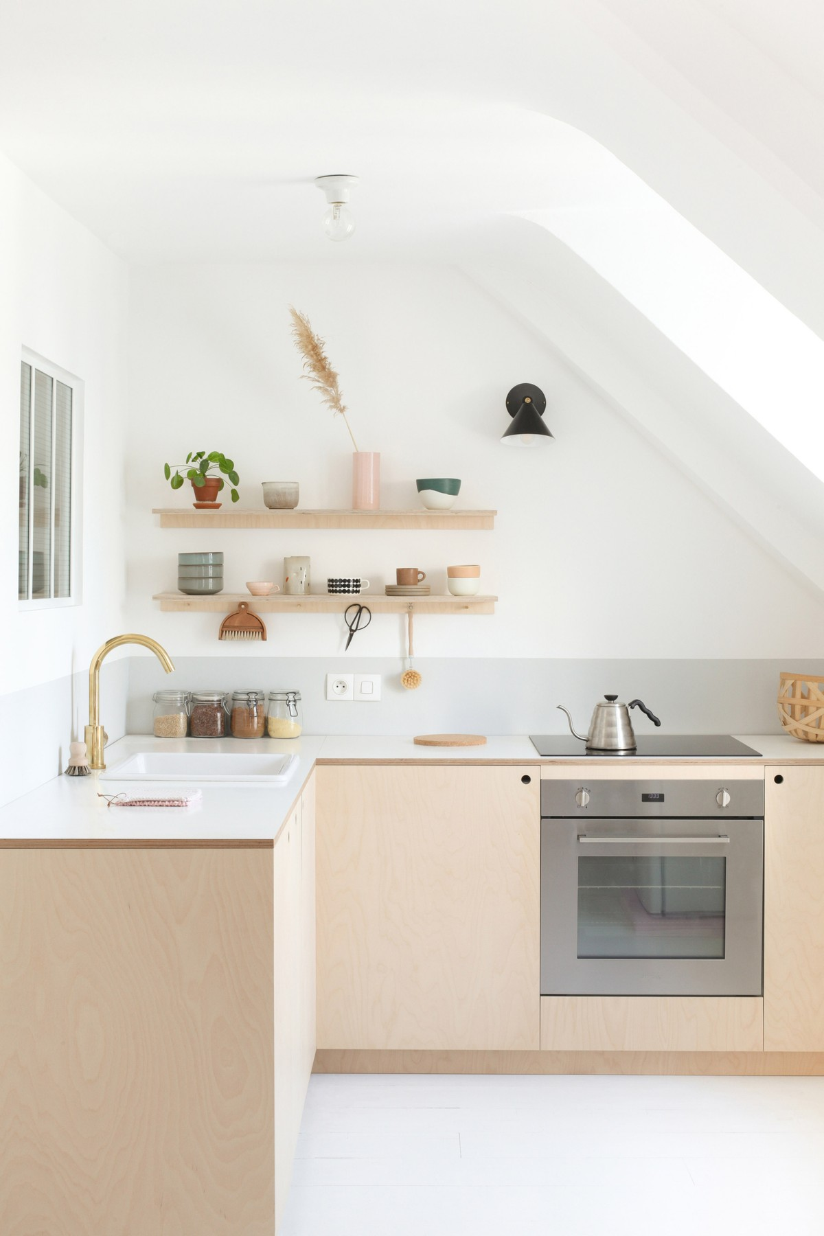 heju-apartment-paris-diy-minimalist-kitchen-with-plywood-cabinet-fronts-1-1466x2199.jpg