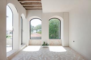 lapa-apartment-studio-gameiro-interiors-residential-portugal-lisbon_dezeen_2364_col_24.jpg