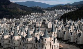turkish-chateau-burj-al-babas-turkey_dezeen_1704_col_1-852x500.jpg