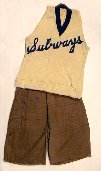 vintage-basketball-uniform-1900s.jpg