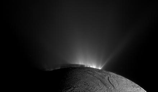 Enceledus & cryovolcanos erupting (saturn)