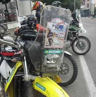 Without problems the rally kit conversion for Drz 400 pass throw the 2017 edition of hardalpitour... The third time with thi...