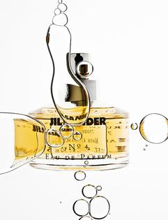 9537f6afb6a834e14c5fa31a22204aec-perfume-fragrance-still-life-photography.jpg