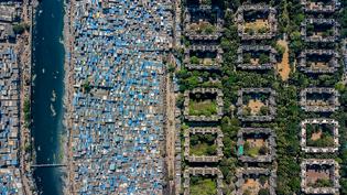 johnny-miller-mumbai-unequal-scenes-2.png