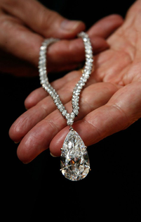 Onassis jewellery up for auction at Christie's
