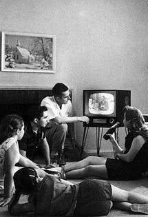 familywatchingtv1958crop.jpg