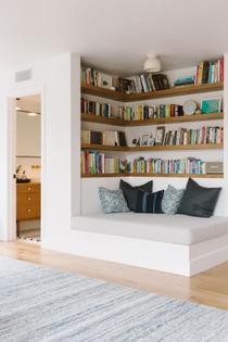 samantha-gluck-emily-henderson-playroom-reading-corner.jpg