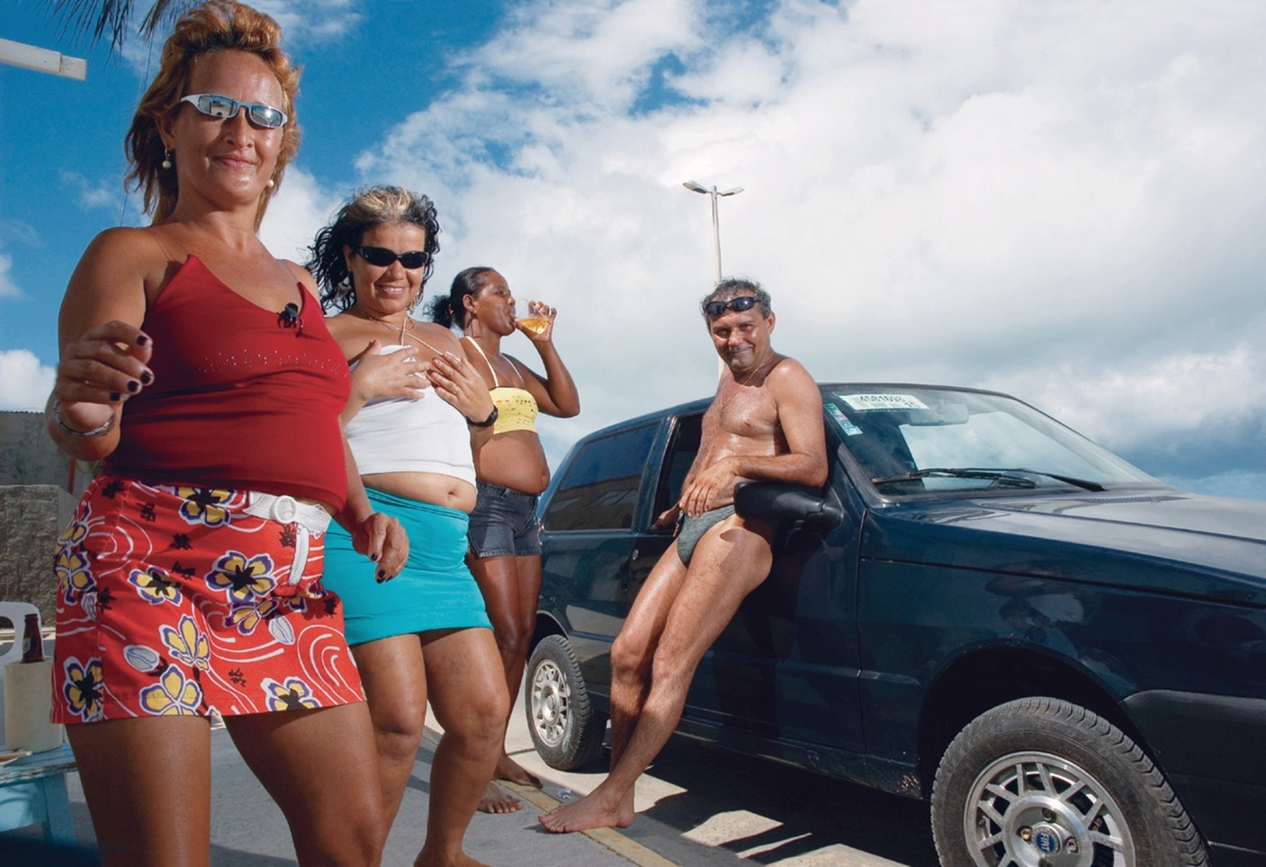 ba-rbara-wagner-untitled-vii-from-the-series-brasi-lia-teimosa-:-stubborn-brasi-lia-2005-2007-.jpg